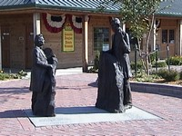 Statues of Stephen Douglas and Abraham Lincoln